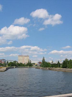Вид на замок эта часть акватории реки